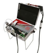 Abgasanalysegerät mit Gerätetisch